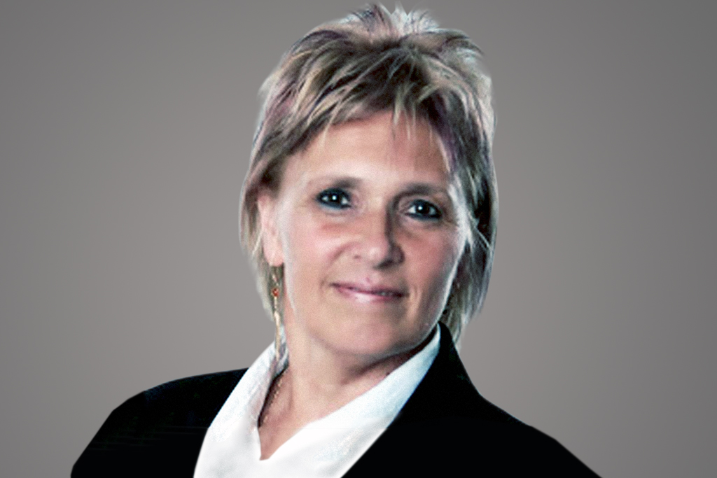 Picture of Ica Hámori, Lead Accountant of Sprint Consulting, an agile training company